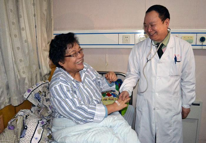 庄仕华与病人