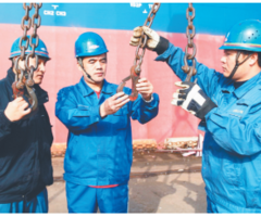 袁宏伟:港口装卸工艺创新的领跑者(图)