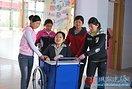 美哉,刘晓清——山东诸城美丽轮椅姐姐的美丽故事(4图)